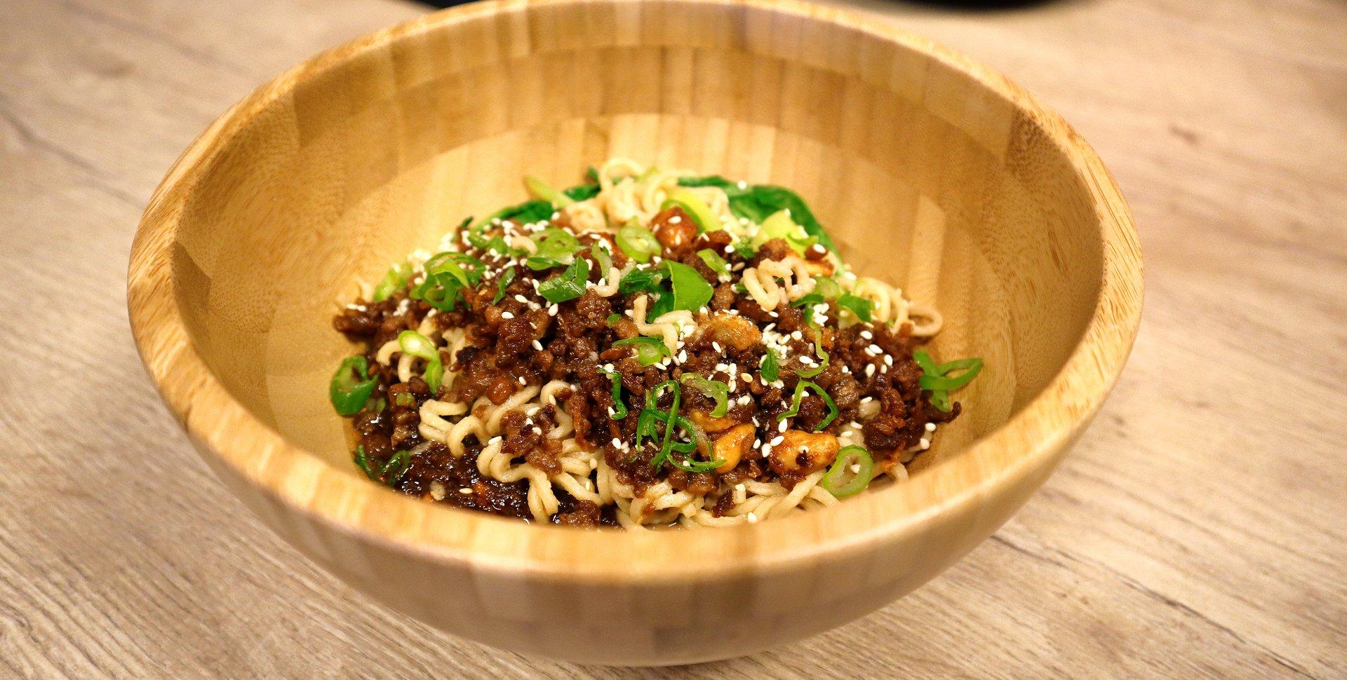 YT10_Dan-Dan-Noodles_1536.jpg