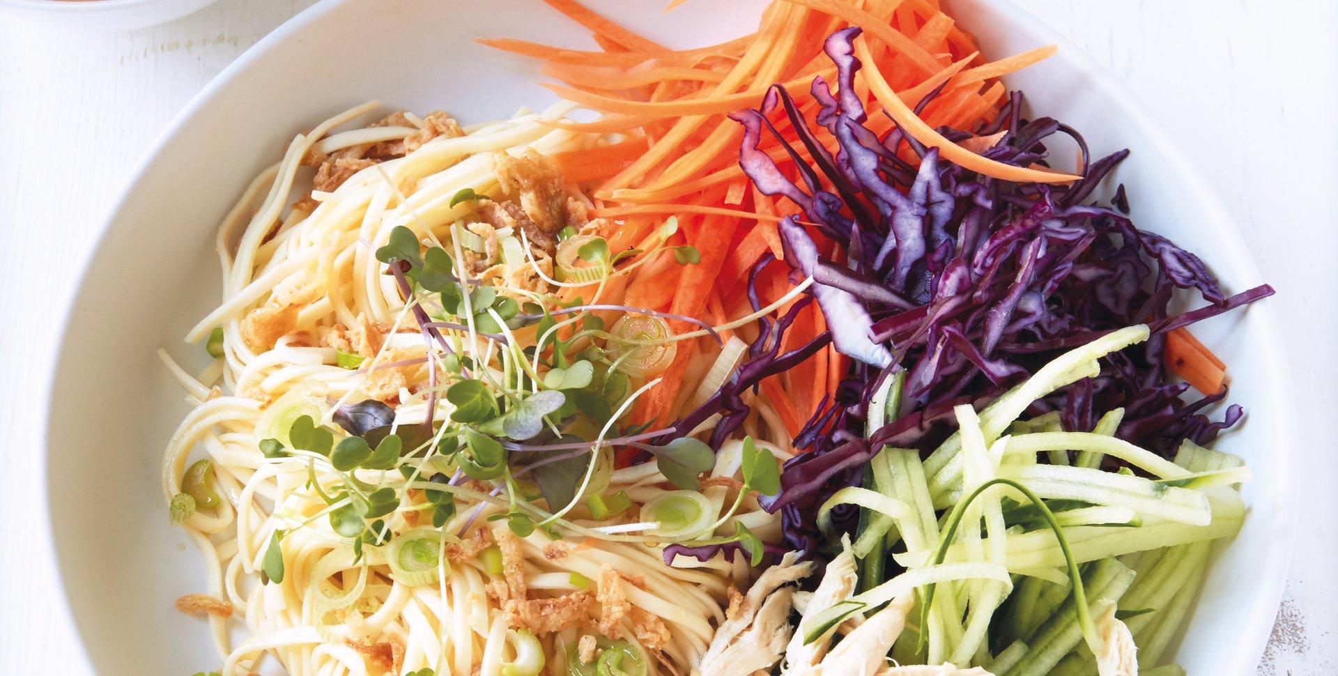 wok_salade_nouilles_cacahuetes.jpg